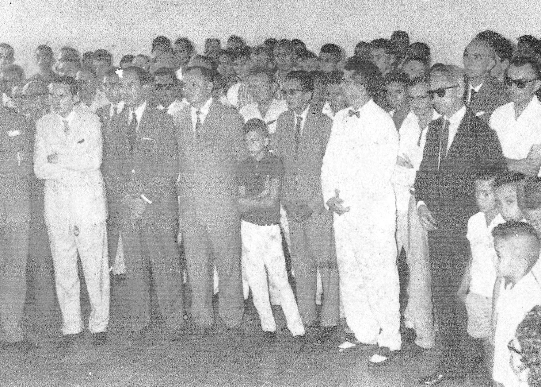 Autoridades presentes na inauguração